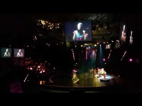 Konser Inspirasi Astra 60: Sophia Latjuba