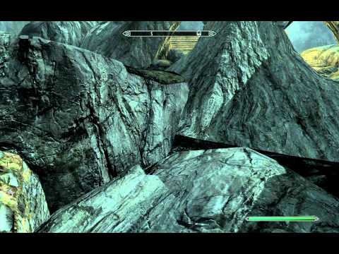 Skyrim GLITCH. Secret chest under Skyforge. Fall through the floor of Whiterun!