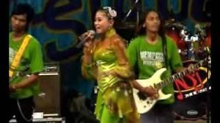 download lagu Lilin Herlina, Bunga-bunga Rindu gratis