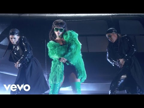 Rihanna - Bitch Better Have My Money (Live At The 2015 iHeartRadio Music Awards)
