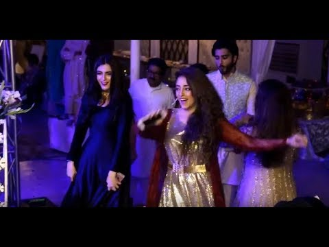 download lagu Maya Ali And Imran Abbas Dance In A Wedding gratis