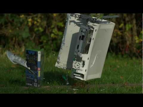 Sledgehammer vs Xbox 360 in Slow Motion - The Slow Mo Guys