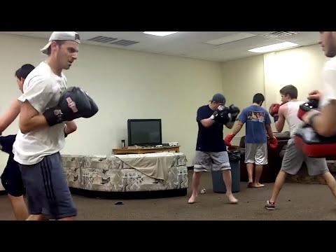 Dallas Texas Torah Institute TTI Jewish Yeshiva students Muay Thai kickboxing ?? ??? ??? ?? ?? ??
