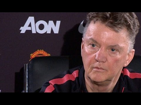 Manchester United - Louis van Gaal's Angry Response To Questions Over Giggs Relationship