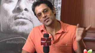 Thaandavam - Chiyan Vikram On his Social Network Moderator and Fans | Thandavam tamil movie | vikram interview