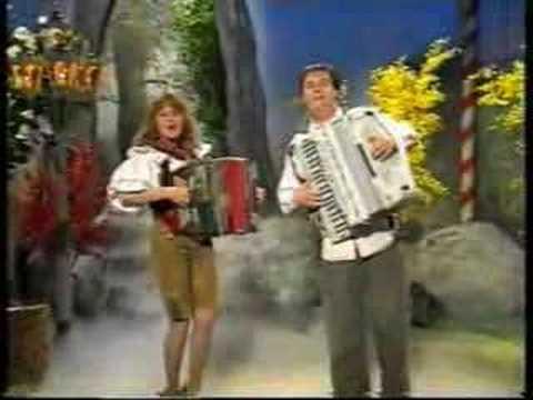 Janez & Irena - Musik auf die Welt