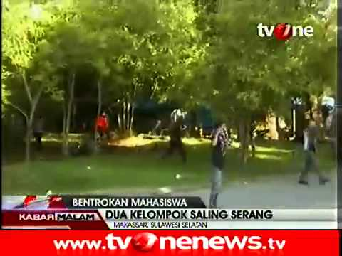 Tawuran Mahasiswa Universitas Muslim Indonesia (UMI), Makassar, Sulawesi Selatan