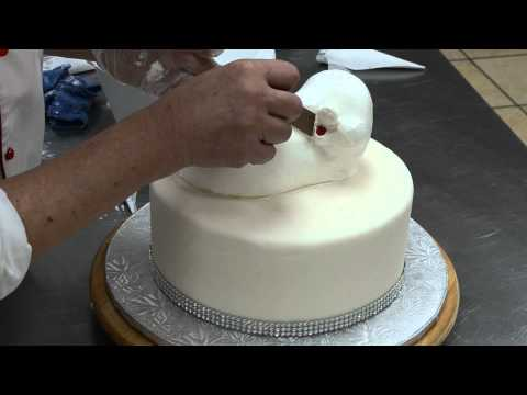 Watch Birthday cake design ideas - Cream Creation of Pig & Piglets