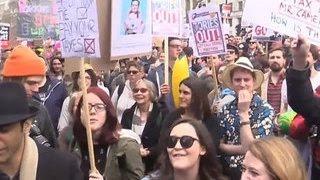 Панамские офшоры: в Британии требуют отставки Дэвида Кэмерона