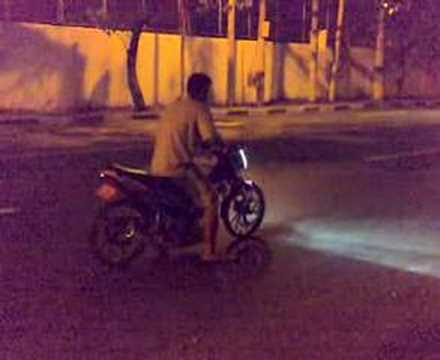 SUZUKI RAIDER 150 vs SUZUKI RAIDER 150 Video