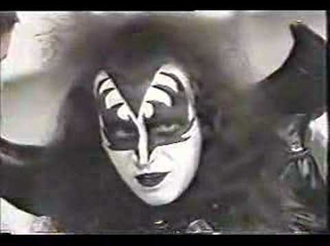 Gene Simmons on the Mike Douglas Show 1974 Video