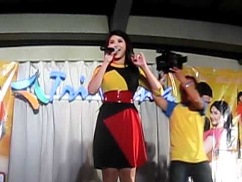 Sarah Geronimo - Catch Me Im Inlove Mallshow  Trinoma - March 20, 2011 video
