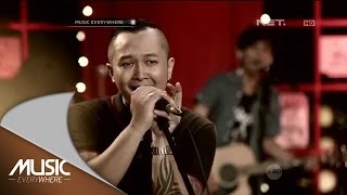 Piyu and Friends Feat The Frontmen - Sobat (Live at Music Everywhere) *
