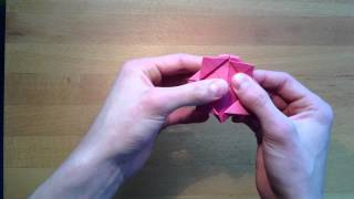 Origami Rose Falten - Eine Bastelanleitung