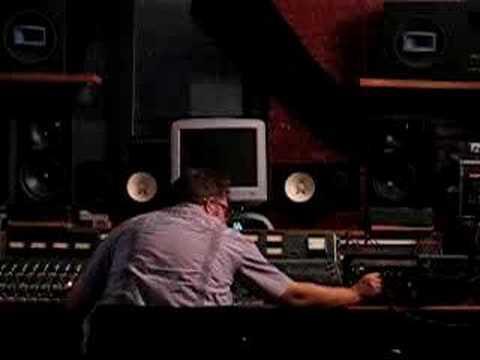 Scotty Hard Mixing Luz Mob's Luz Interpretations (1)