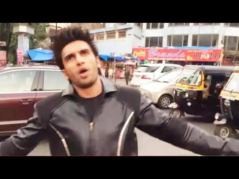 Ranveer Singh : Main Aisa Kyun Hoon - Funny Dance In Public : Hrithik Roshan Krrish Bang Bang Dare video