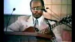 Tesfaye Gabiso - Nefse Wede Amlakwa - Live Worship