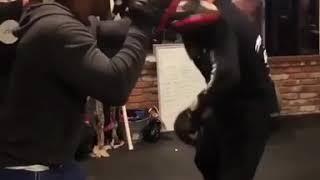 Drake Shows Off Boxing Skills