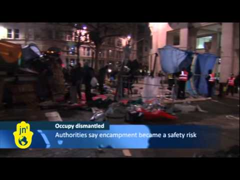 London Police Against Occupy Tents: City Dismantles Occupy Movement Tents at St Paul's Cathedral