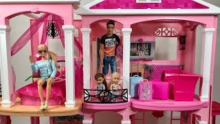 Barbie Dream House! PINK! Family Vacation!! Part 1