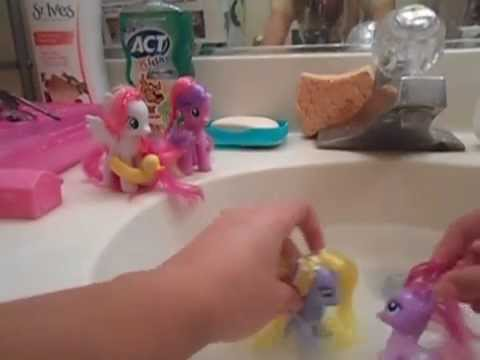 My Little Pony Youtubers Pool Day