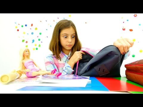 В школу с Барби - что у подружки Вики в рюкзаке?