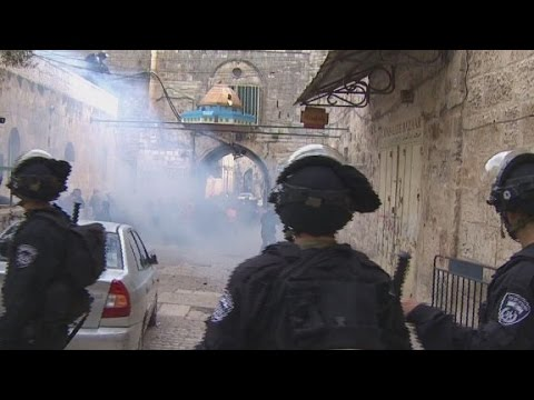 Violence surrounds Jerusalem holy site