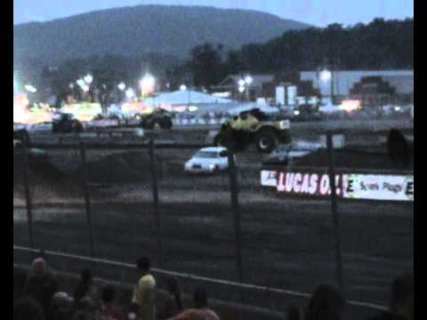 Monster Truck  CRASH TWICE 7-14-12.wmv