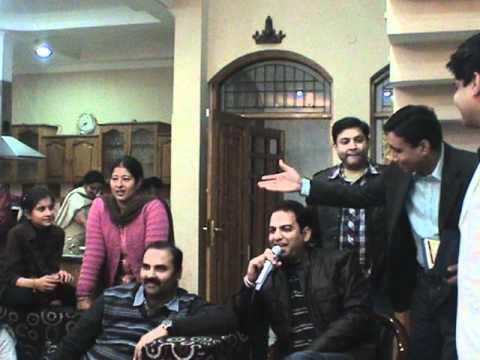 Rohit Tangri with aaja sham hone aayi at Aadis Birthday Karaoke...