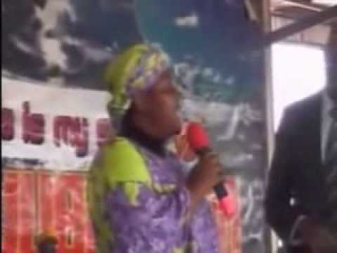 Sis Linda talks with Pastor Kumuyi