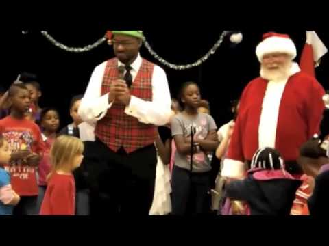 "East Columbus Elementary School singing ""Must Be Santa"""