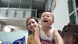 Bé cười nghiêng ngả (Em Kiên) -  Funny Baby