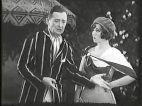 Jazzy 1920's beach song - 1929 Video