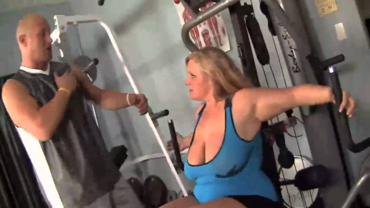 Beautiful Scarlett Pain with big tits gets good sex right in the gym № 237911 без смс