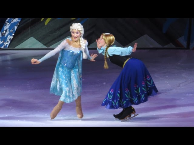FROZEN Disney on Ice, Anna Visits Ice Castle - Elsa Meets Olaf For First Time Since Childhood