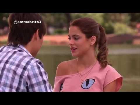 Violetta 1 - Violetta y León se besan por primera vez (01x34-35)