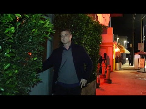 X17 EXCLUSIVE - Liev Schreiber Arrives At Baldi Ristorante Sans Naomi Watts