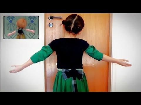 Você quer brincar na neve? *** FROZEN COVER *** por Letícia (6 anos)