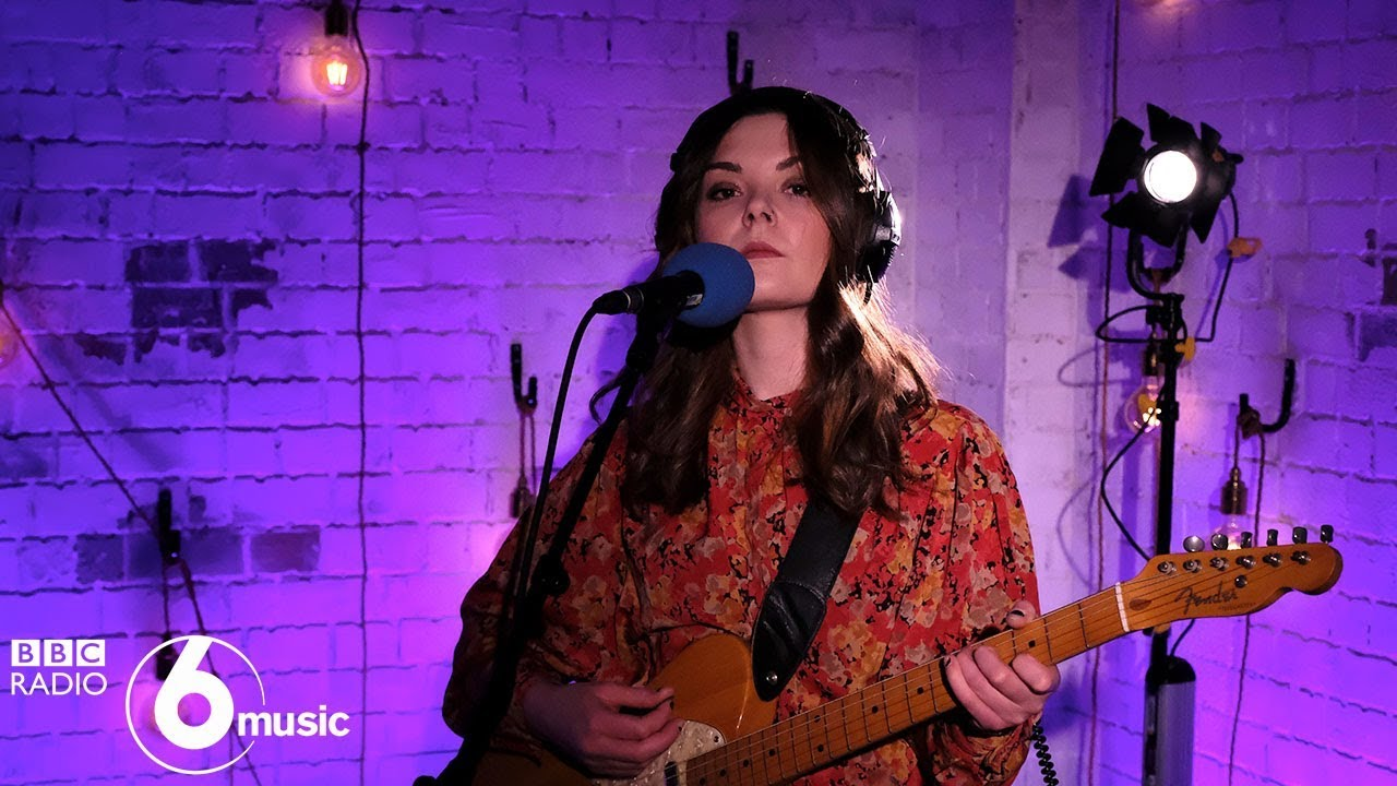 Honeyblood - She's A Nightmare (6 Music Live Room)