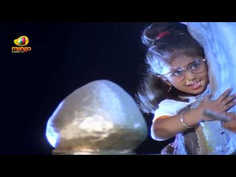 Sindhoora Devi Movie Scenes - Baby Shamili & Her Twin Escape From The Smuggler - Vivek, Kanaka video