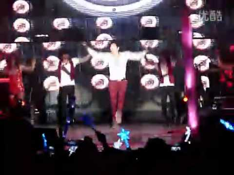 [Rain (Bi) Fancam]110525 'The Best' concert in Shanghai_By lovejay1qq_03_ Hip Song
