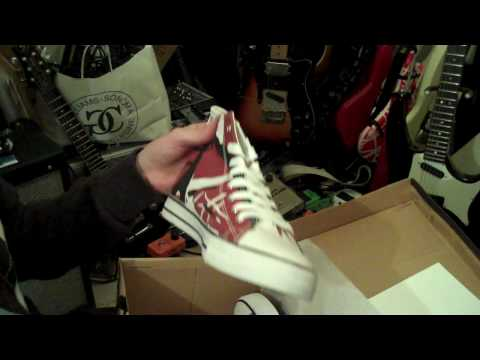 EVH Van Halen frankenstrat shoes unboxing. Video