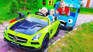Max and Dolls Driving Cars
