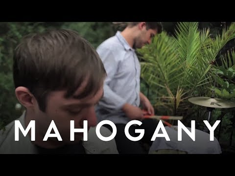 Everything Everything - Schoolin&#039; // Mahogany Session