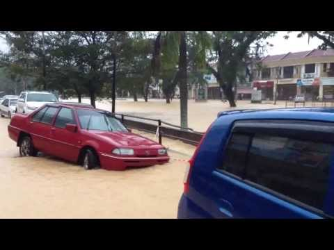 Flood in Kuantan 3rd December 2013 Part 1