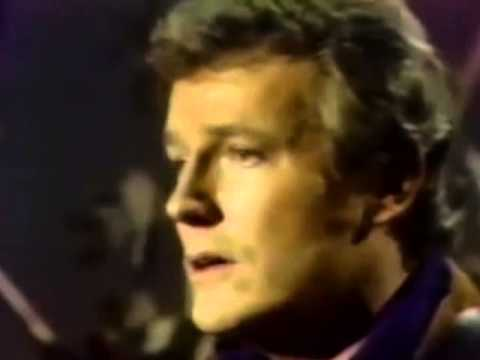 Gordon Lightfoot - Softly