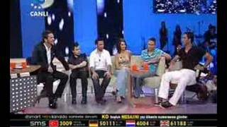 Arda Turan Beyaz Show'a Konuk :)  www.ardatrn.ailesiyiz.biz