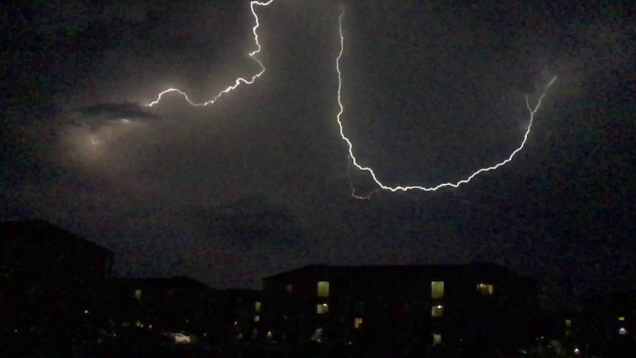 Lightning In Slo Motion Is Bad Ass