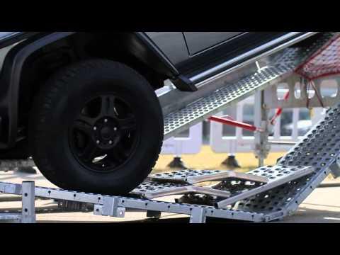Mercedes-Benz G-Class, преодоление крутого подъема и спуска