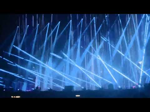 Muse - Showbiz (Live Leeds 2017)